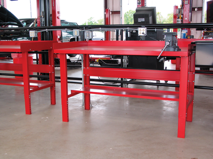 Wide selection of quality, metal workbenches including mobile workbenches and metal tables for warehouses, manufacturing, and more.